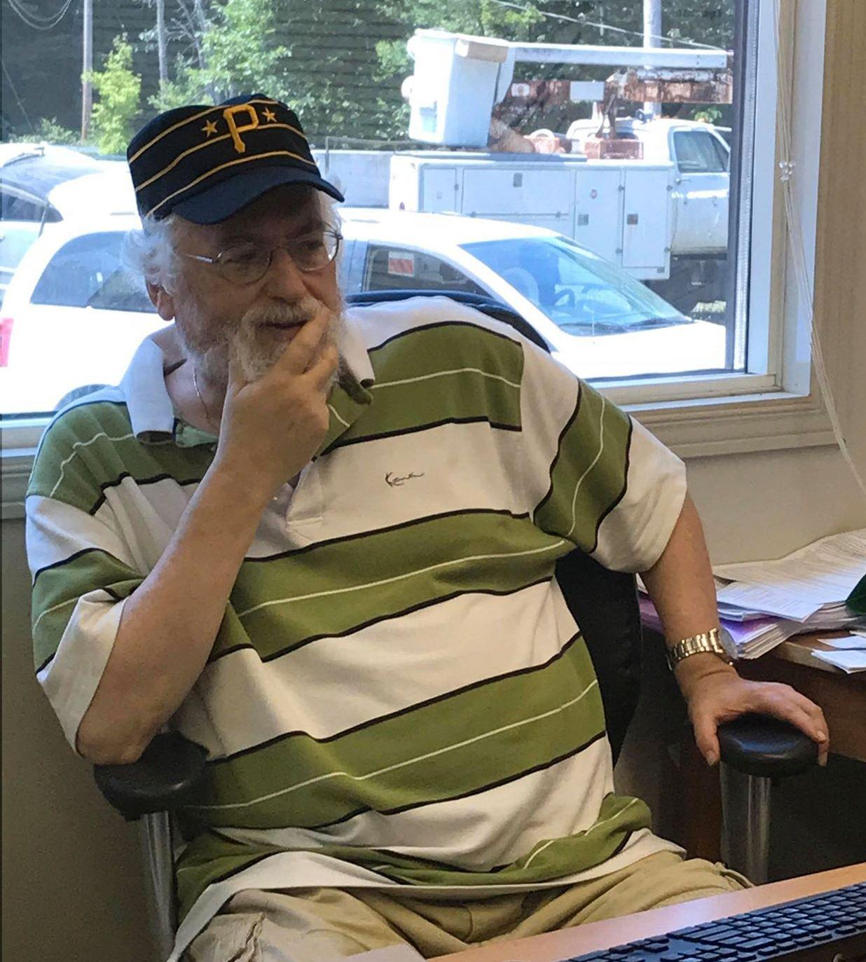 MISTET VENNER: Chuck Diamond kjenner flere av de drepte godt. Han jobbet i synagogen som rabbi.