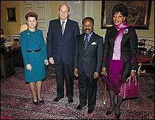 I TV 2s underholdningsprogram «I kveld med Per Ståle» fredag kunne en lattermild utenriksminister fortelle om statsbesøket til president Omar Bongo fra Gabon i slutten av januar.