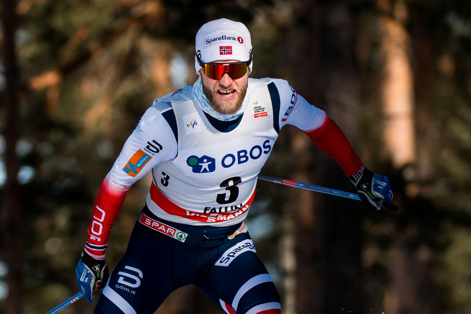 KRITISK: Martin Johnsrud Sundby, her fra sprintprologen i Falun fredag, ligger brukbart an i minitouren i Sverige.
