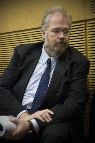 VARSLER BOLIGPAKKE: Statssekretær Jon Gunnar Pedersen i Finansdepartementet.