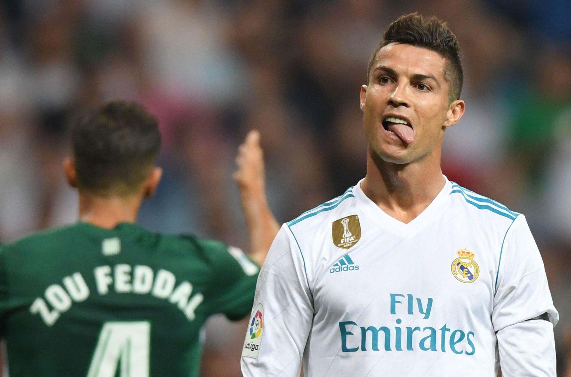 SUPERSTJERNE: Cristiano Ronaldo gjør en grimase under kampen mot Real Betis høsten 2017.