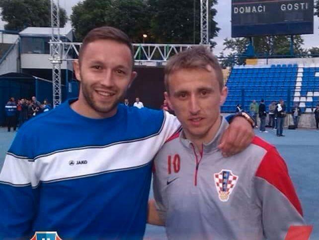 STOLT: Follo-trener Mario Jovic (t.v.) hyller det Luka Modric (t.h.), og resten av det kroatiske laget, har fått til i VM. Bildet er fra 2015.