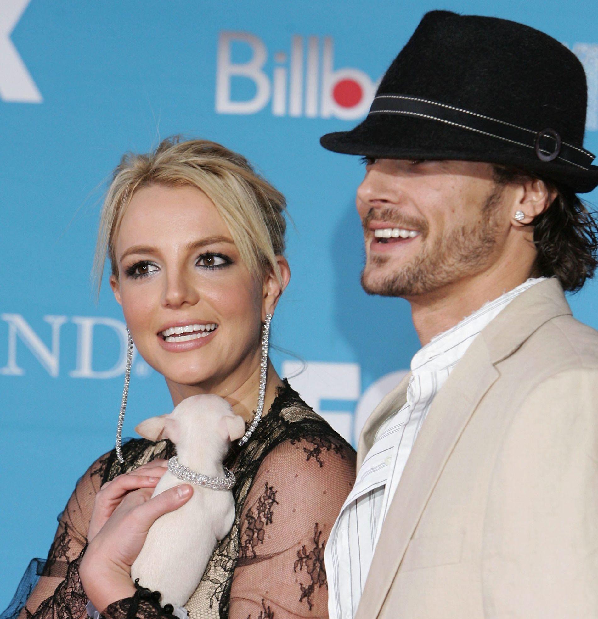 KREVER MER: Kevin Federline, her sammen med Britney Spears i 2004, året de giftet seg. Forholdet tok slutt i 2007.