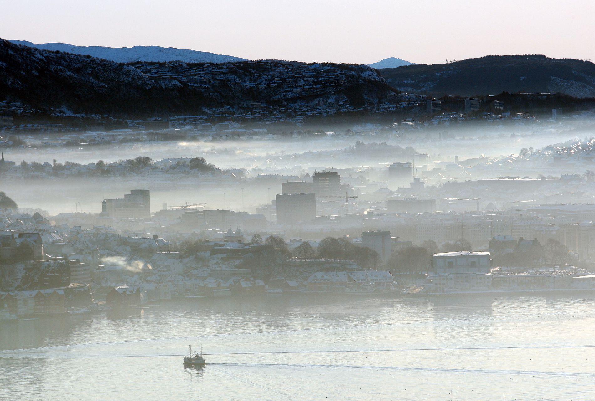 FORURENSNING: «Lokket» over Bergen en januardag i 2010.
