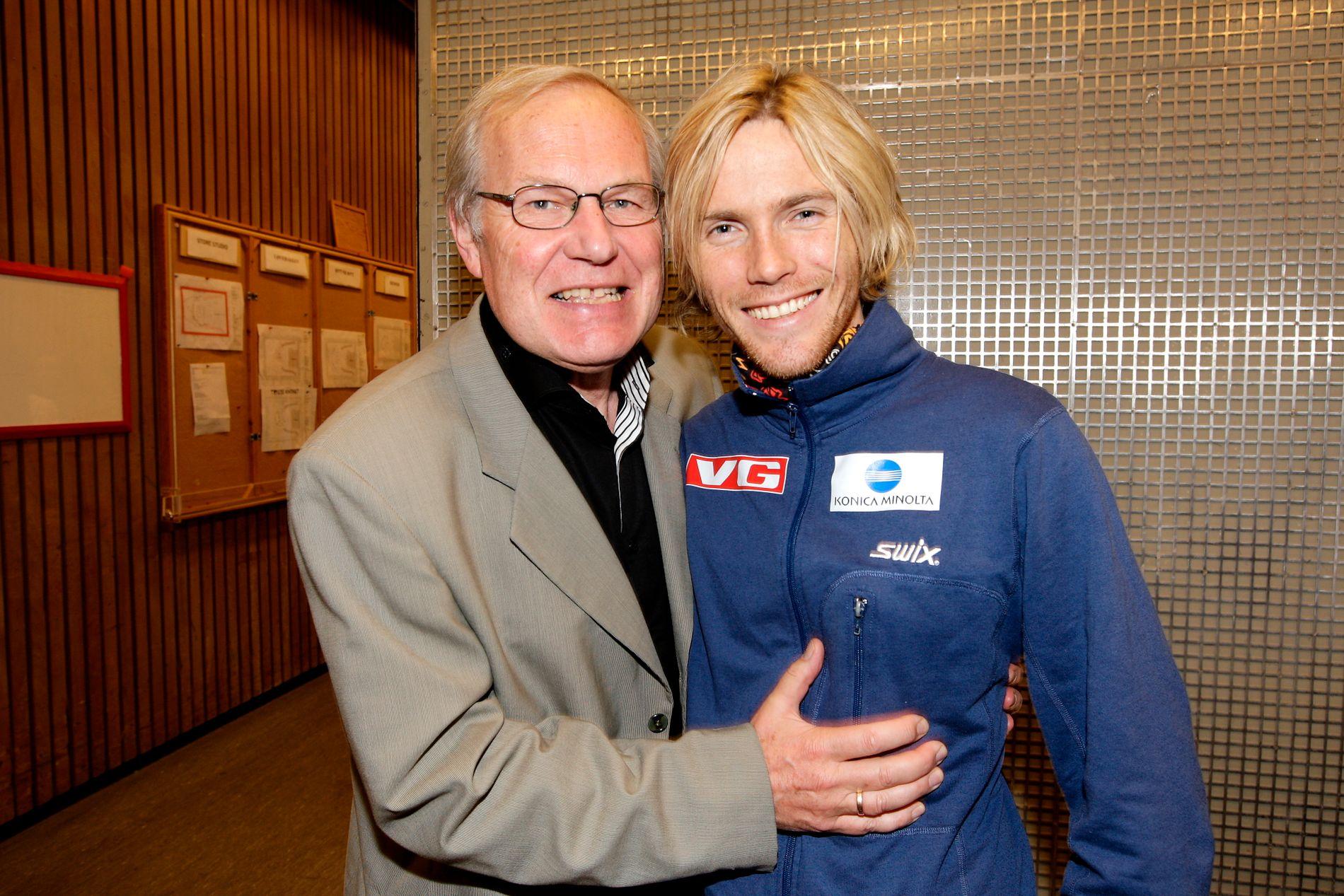 GODE BUSSER: Arne Scheie og Bjørn Einar Romøren fotografert i forbindelse med TV-aksjonen i 2009.