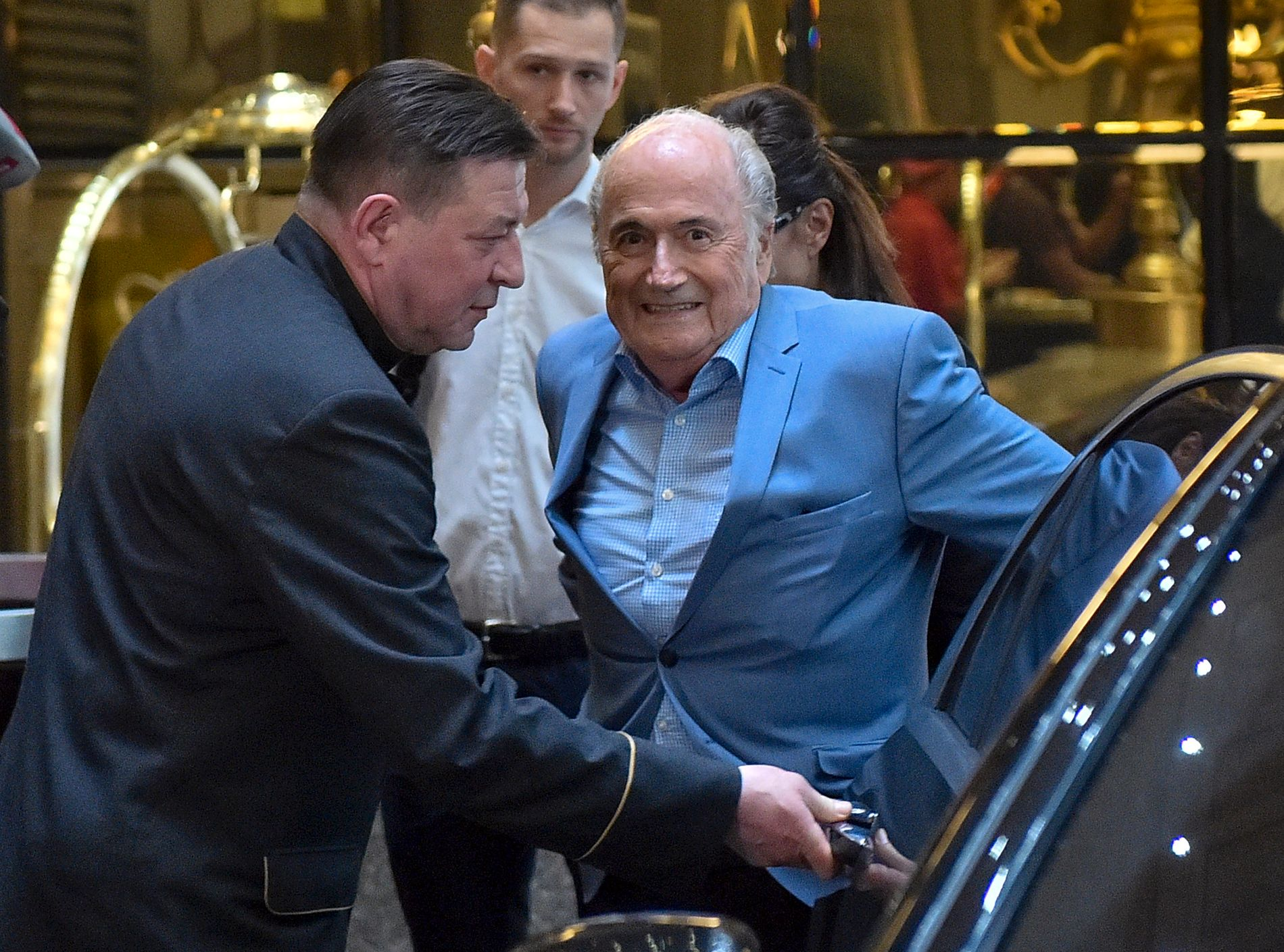 PÅ PLASS: Sepp Blatter, den tidligere presidenten i FIFA, er utestengt i seks år fra all fotball på grunn av korrupsjon.