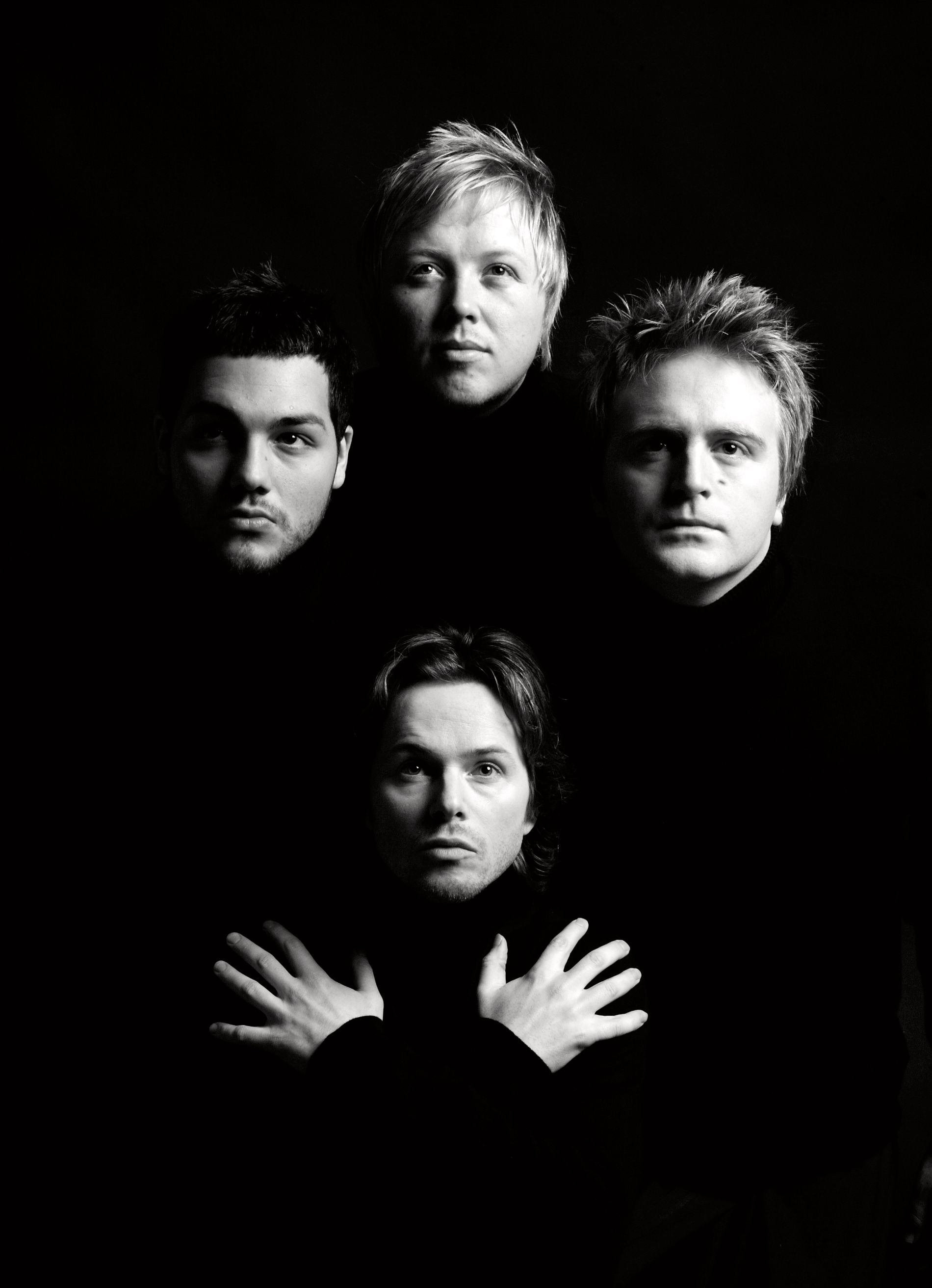 EVENTYRLIG SUKSESS: Kurt Nilsen sammen med Alejandro Fuentes (t.v.), Askil Holm (t.h.) og Espen Lind (foran) i 2006, da de gikk under kallenavnet «De nye gitarkameratene». Foto: JANNE MØLLER-HANSEN