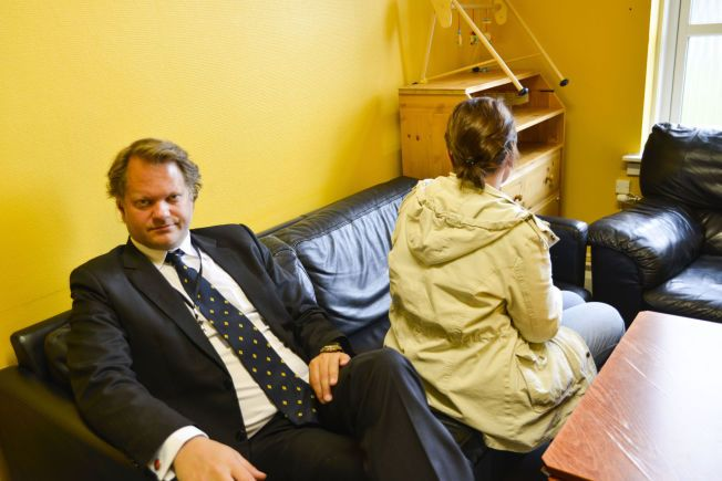 BESØKSROM: Kvinnen, som ønsker å være anonym, har rundt seks uker igjen av soningen på to år. Thomas Klevenberg er hennes advokat.