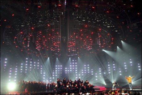 TIL KUNSTLØP: Telenor Arena er den eneste arenaen som er stor nok til å kunne holde internasjonale konkurranser i kunstløp. Bildet er tatt under Melodi Grand Prix i 2010. Foto: Cornelius Poppe/Scanpix