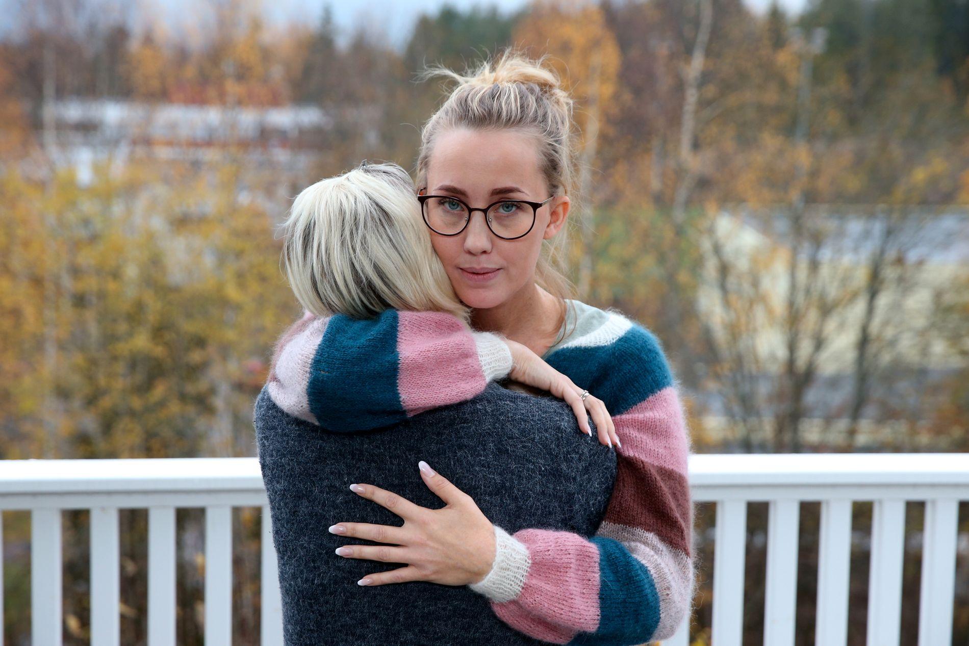 SAMME BARNEHAGE: Linn-Merita Tobiassen og Maria (som ikke ønsker å stå frem med bilde) har sønnene i samme barnehage. De møttes likevel ikke før Tobiassen startet å samle inn penger til kreftbehandlingen til Maria.