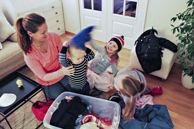 FORBEREDER BARNAS VINTERGARDEROBE: Marlen Løkling Nordby (27) fra Drøbak oppdager at barna Maya (6), Jenny (4) og Oscar Casillas (1) må ha alt nytt i år.