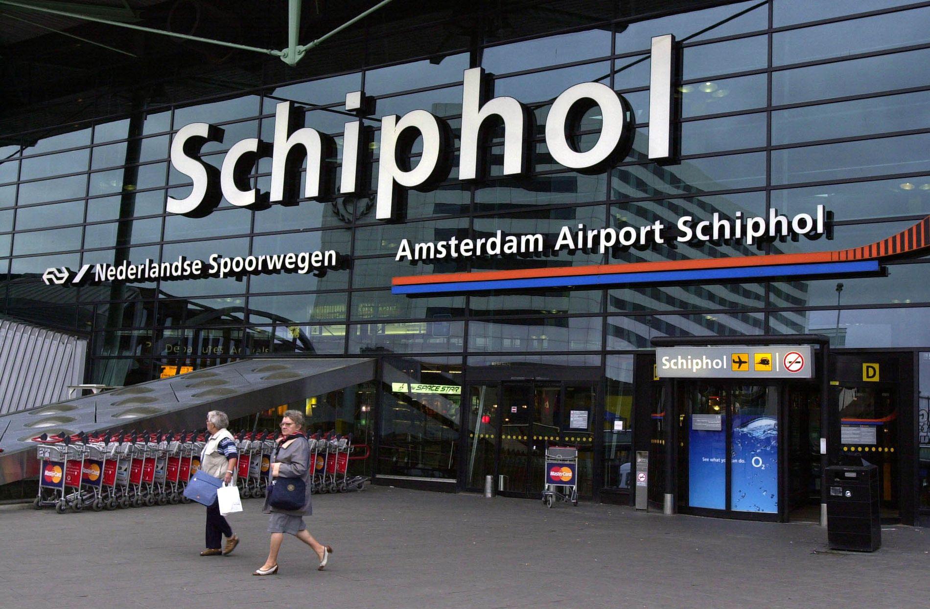 LURT: For noen uheldige turister har det kostet skjorta å reise de 20 kilometrene fra Schiphol internasjonale flyplass til Amsterdam sentrum.