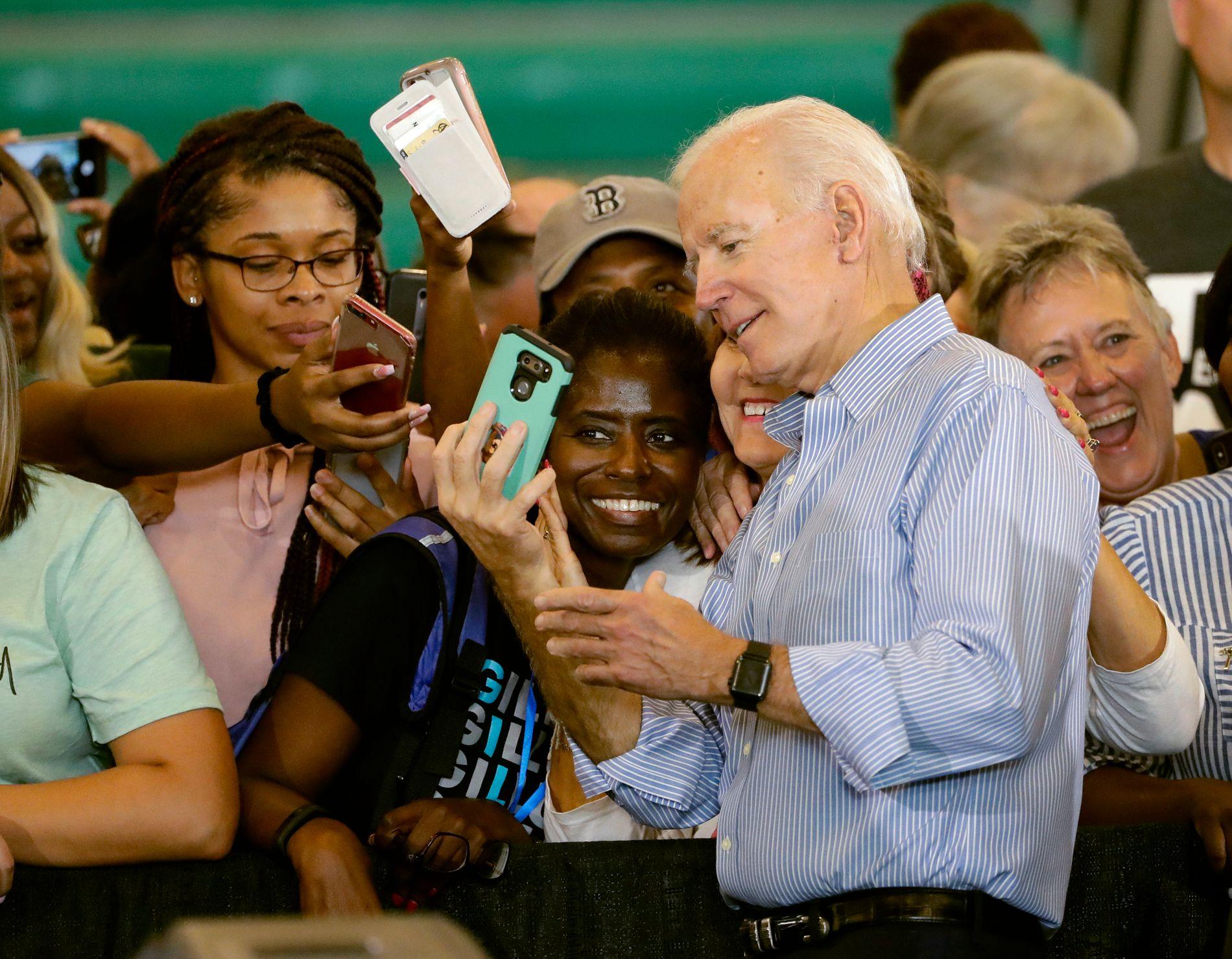 TIDLIGERE VISEPRESIDENT: Demokraten Joe Biden deltar under et politisk arrangement på University of South Florida.