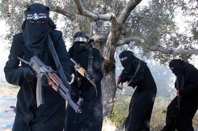 UNDERTRYKKENDE: Et Twitter-bilde av en ren kvinnegruppe fra IS. Kvinner presenteres som krigere, men brukes i virkeligheten av gruppen som rekrutteringsagenter på nettet, og som håndhevere av kvinneundertrykkelse, skriver Mah-Rukh Ali.