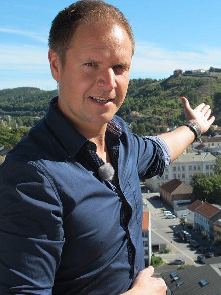 FORNØYD SELGER: Nå kan også «Solgt!»-programlederen Frode Søreide glede seg over å ha solgt en leilighet med god fortjeneste.