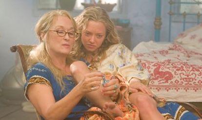 MOR OG DATTER: Meryl Streep og Amanda Seyfried spiller mor og datter i den første «Mamma Mia!» filmen.