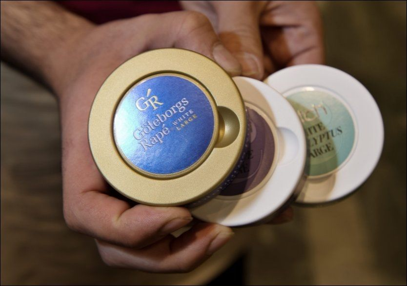 KAN FORSVINNE: Smakstilsatt snus kan bli historie. Et nytt EU-direktiv slår fast at all tobakk skal smake tobakk. FOTO: ESPEN BRAATA