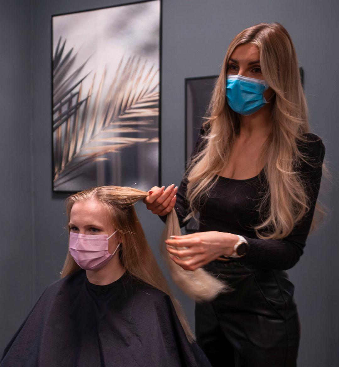 I vinter gikk Emilie til frisøren for å få håret vurdert før hun prøvde Hair Luxious.