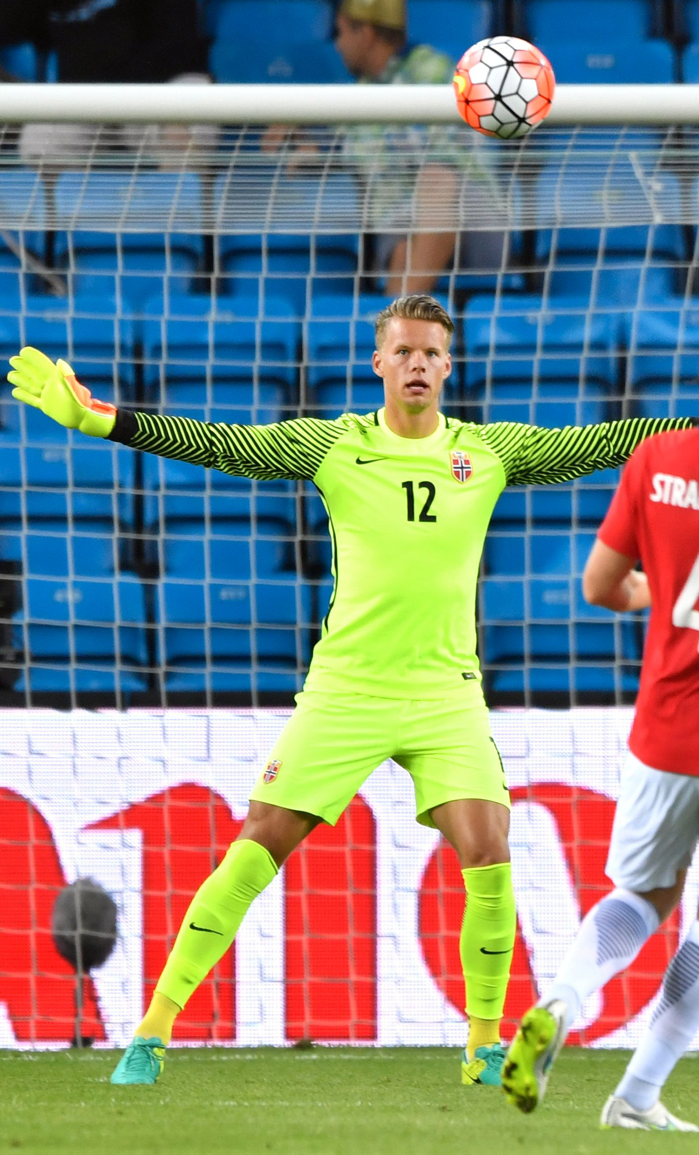 TROR PÅ FORNYET TILLIT: Ørjan Håskjold Nyland føler seg trygg på at han spiller også i søndagens VM-kvalifiseringskamp mot Tyskland.