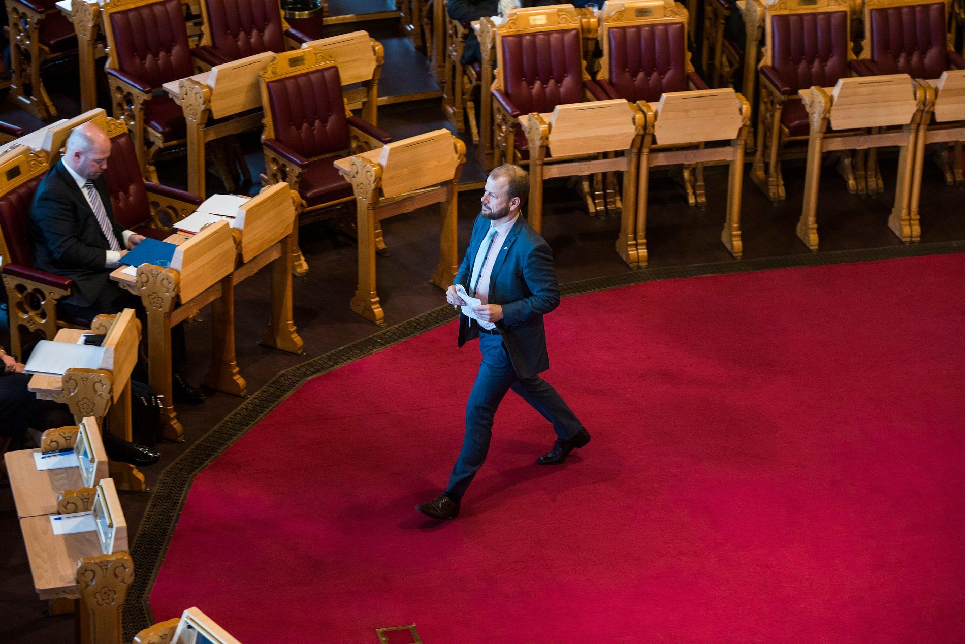FERDIG PÅ STORTINGET: Heikki Holmås (Sv) er blant de tidligere stortingsrepresentantene som har fått innvilget etterlønn. Her er han under den muntlige spørretimen på stortinget i mai 2015.