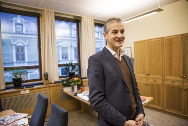 PIKETTY-FAN: Ap-leder Jonas Gahr Støre skal møte Thomas Piketty, økonomien bak boken «Kapitalen», i Oslo på fredag.