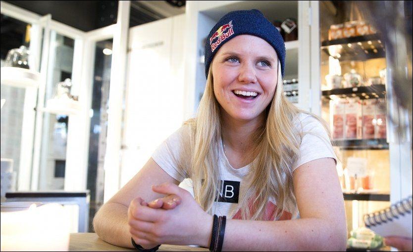 NY SKI-STJERNE: Twintip-kjører Tiril Sjåstad Christiansen (18) har tidligere alpinsjef Jan Ove Nystuen som manager og skal trene i regi av sin private sponsor foran Sotsji-OL - der hun er favoritt til å vinne i den nye øvelsen slopestyle. Foto: SCANPIX