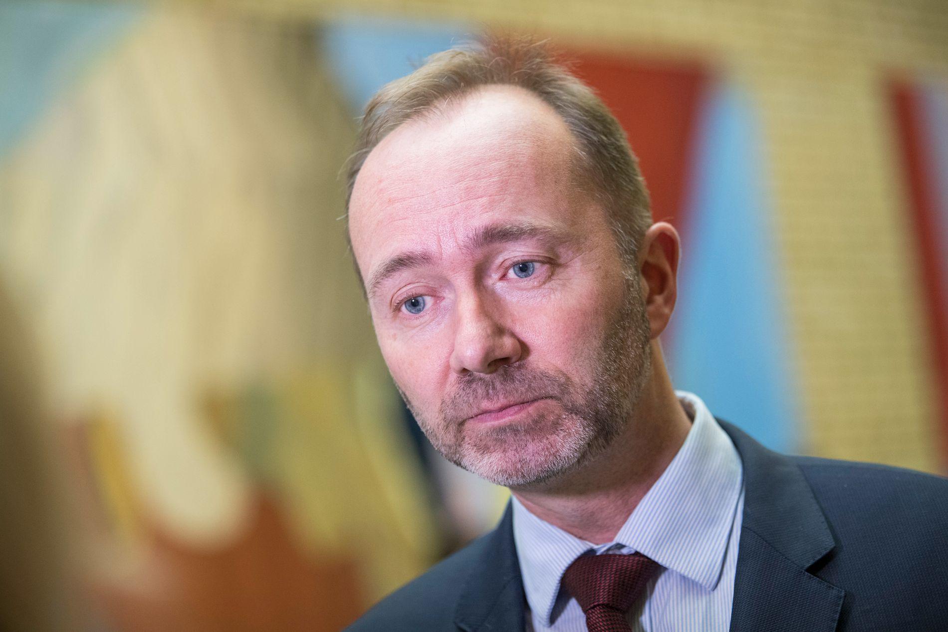 SENDTE MELDINGER: Arbeiderpartiets nestleder Trond Giske, her fotografert i Stortingets vandrehall.