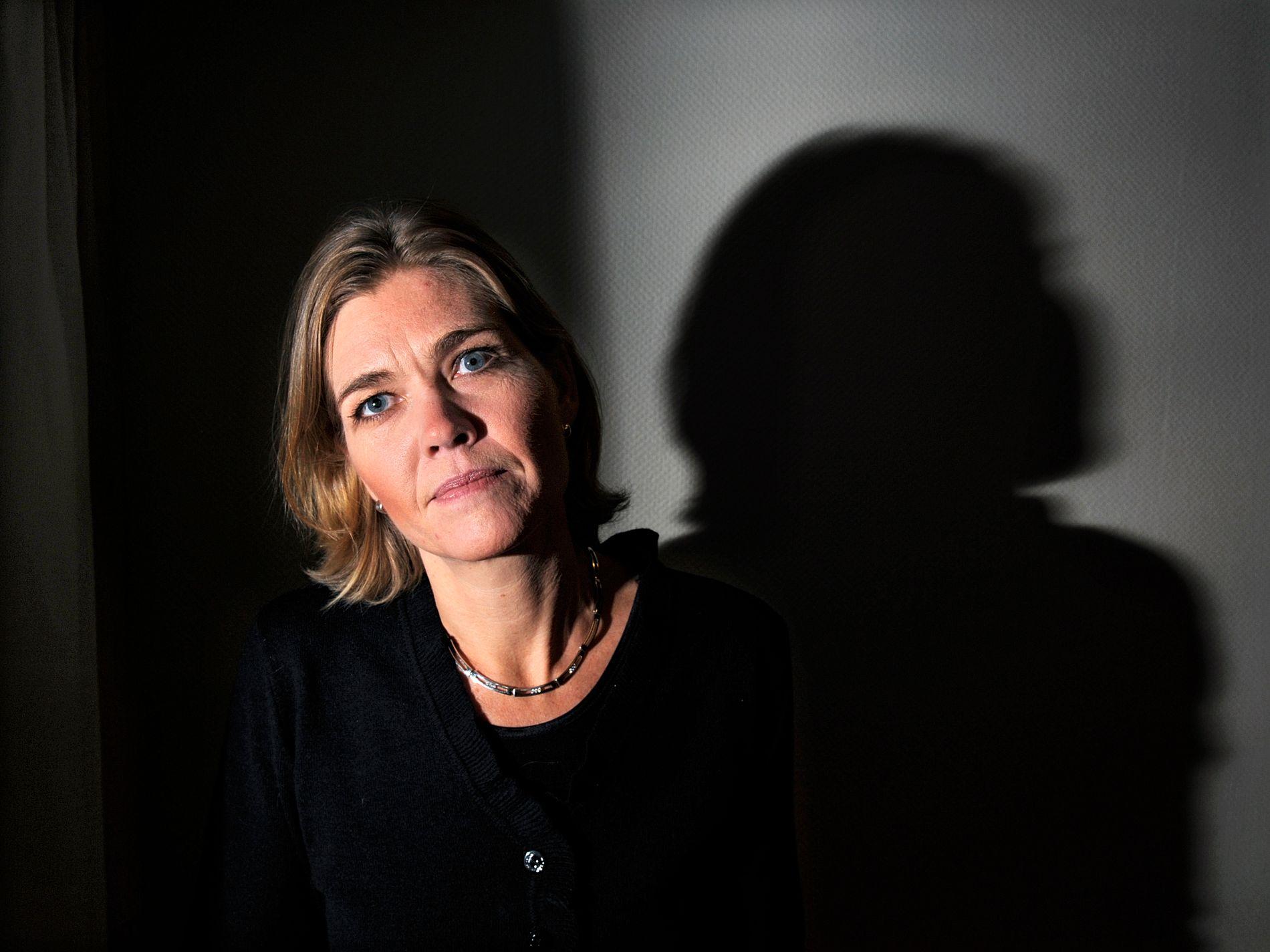 REAGERTE: Guro Slettemark er generalsekretær i Transparency International Norge. Organisasjonen jobber for åpenhet og mot korrupsjon.