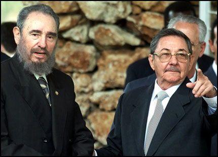 OVERFØRT: Makten er overført midlertidig fra Cubas diktator Fidel Castro til hans bror Raúl (t.h.). Foto: AP