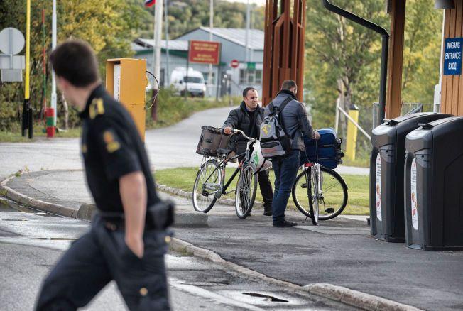 SYKLER INN I NORGE:  Tusenvis av flyktninger og asylsøkere har de siste månedene kommet til Norge over grensestasjonen Storskog.