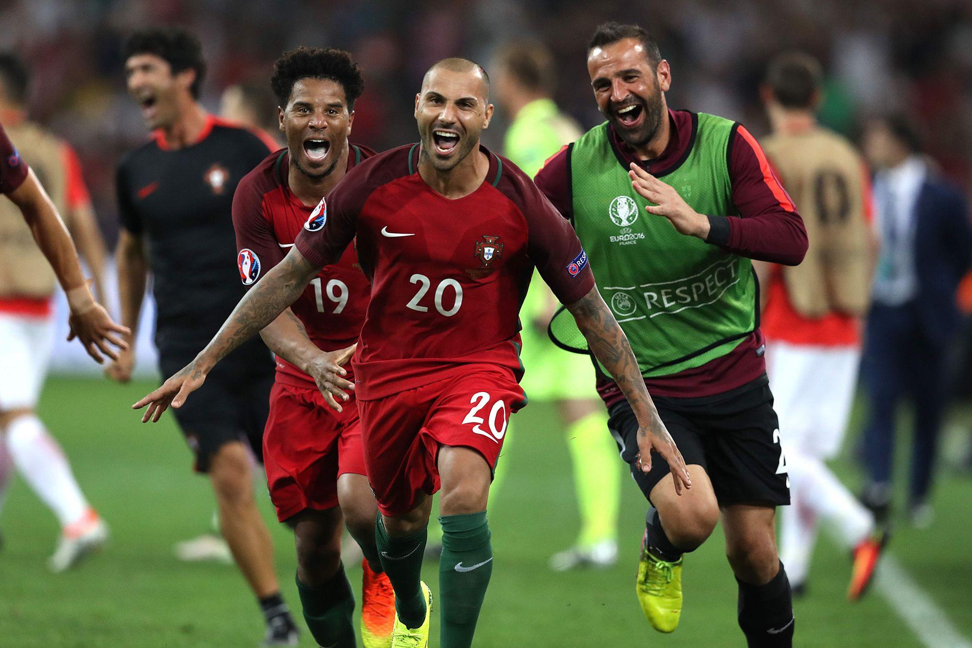 AVGJORDE: Ricardo Quaresma (i midten) jubler etter å ha scoret på det avgjørende straffesparket i kvartfinalen mot Polen.