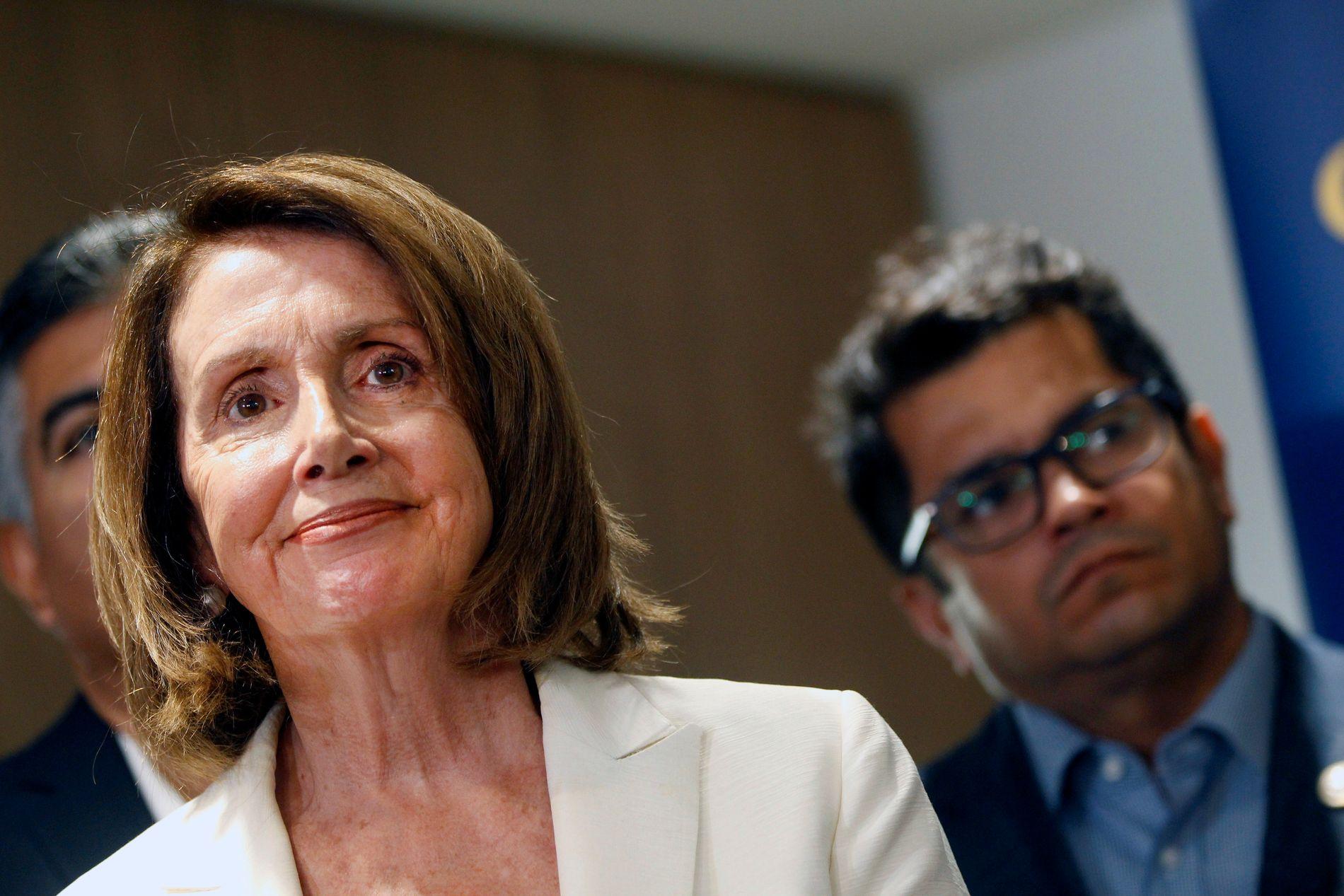 KRITISERER: Nancy Pelosi, er på en pressekonferanse 18. juni.