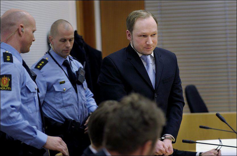a09f56e9 KALD: Det er ingenting som tyder på at Anders Behring Breivik kommer til å  oppføre seg annerledes under rettssaken enn hva han har gjort i tidligere  ...