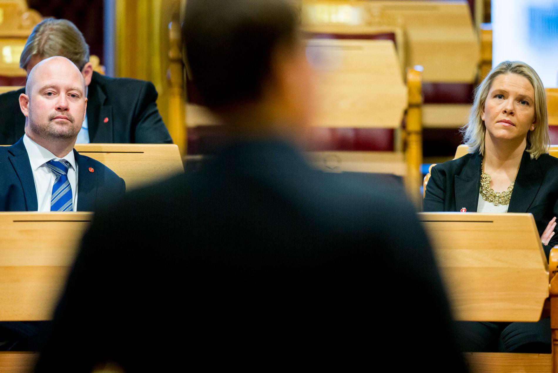 FORGJENGER: Anders Anundsen, som var justisminister frem til desember 2016, sier han ikke opplevde at politiet la skjul på noe. Sylvi Listhaug (Frp) sier hun opplevde at deler av politiet dysset ned problemene.