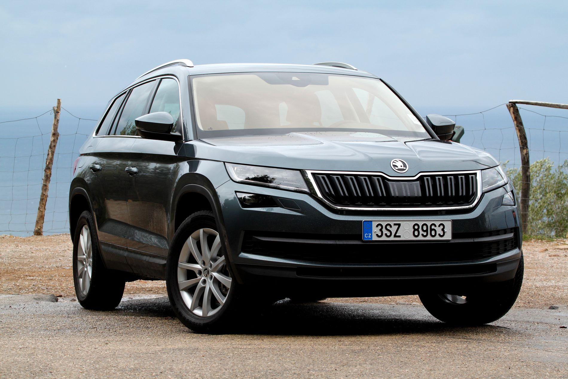 FIRKANT-FASONG: Skoda Kodiaq har fått firkantede hjulbuer. Det gir bilen et robust preg.