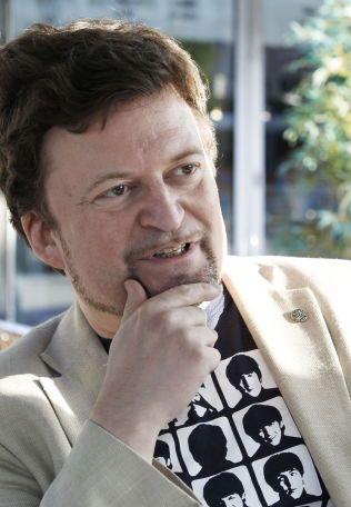 TRIST DAG: For forfatteren Erik Fosnes Hansen er dette en meget trist dag. I dag morges døde hans gode venn Günter Grass.Foto: ROGER NEUMANN