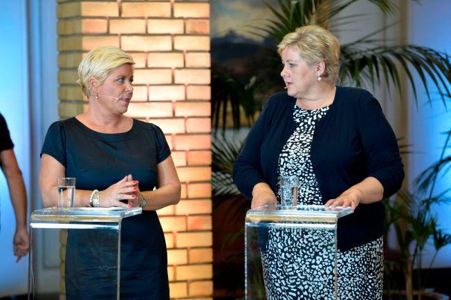 NÆRMER SEG ENIGHET: Siv Jensen (til venstre) og Erna Solberg, fotografert på valgnatten. De to partilederne i regjeringen skal være nær et felles syn på hvordan regningne for flyktningene skal betales, og hvordan asylpolitikken skal strammes inn.