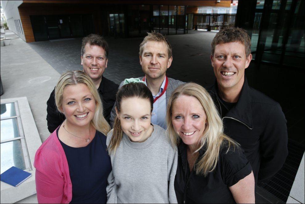 JURYEN: Bak fra venstre: Øyvind Solstad (VG), Øystein Milli (VG) og Jan Fredrik Karlsen. Foran fra venstre: Nina Hareide-Larsen (DNB), Christine Dancke og Camilla Forberg (DNB). Foto: TROND SOLBERG/VG