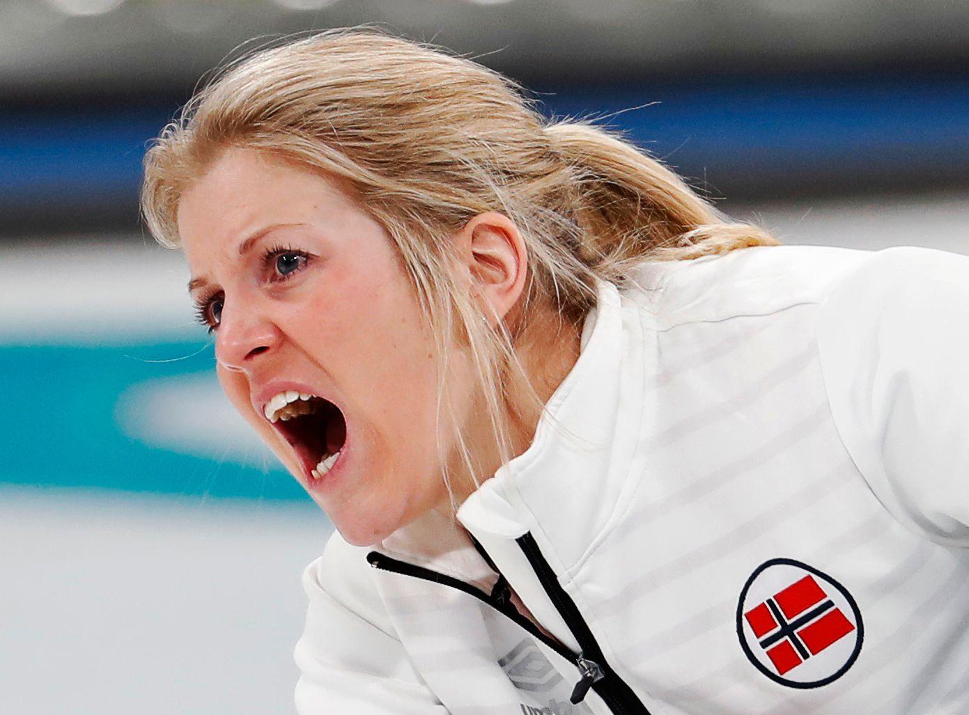 SISTE SKRIK: Kristin Skaslien (32) og samboer og mixed double-partner Magnus Nedregotten lå bakpå gjennom hele bronsefinalen.