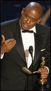 VELDIG RØRT: Forest Whitaker vant Oscar og kjempet mot tårene. Foto: AFP