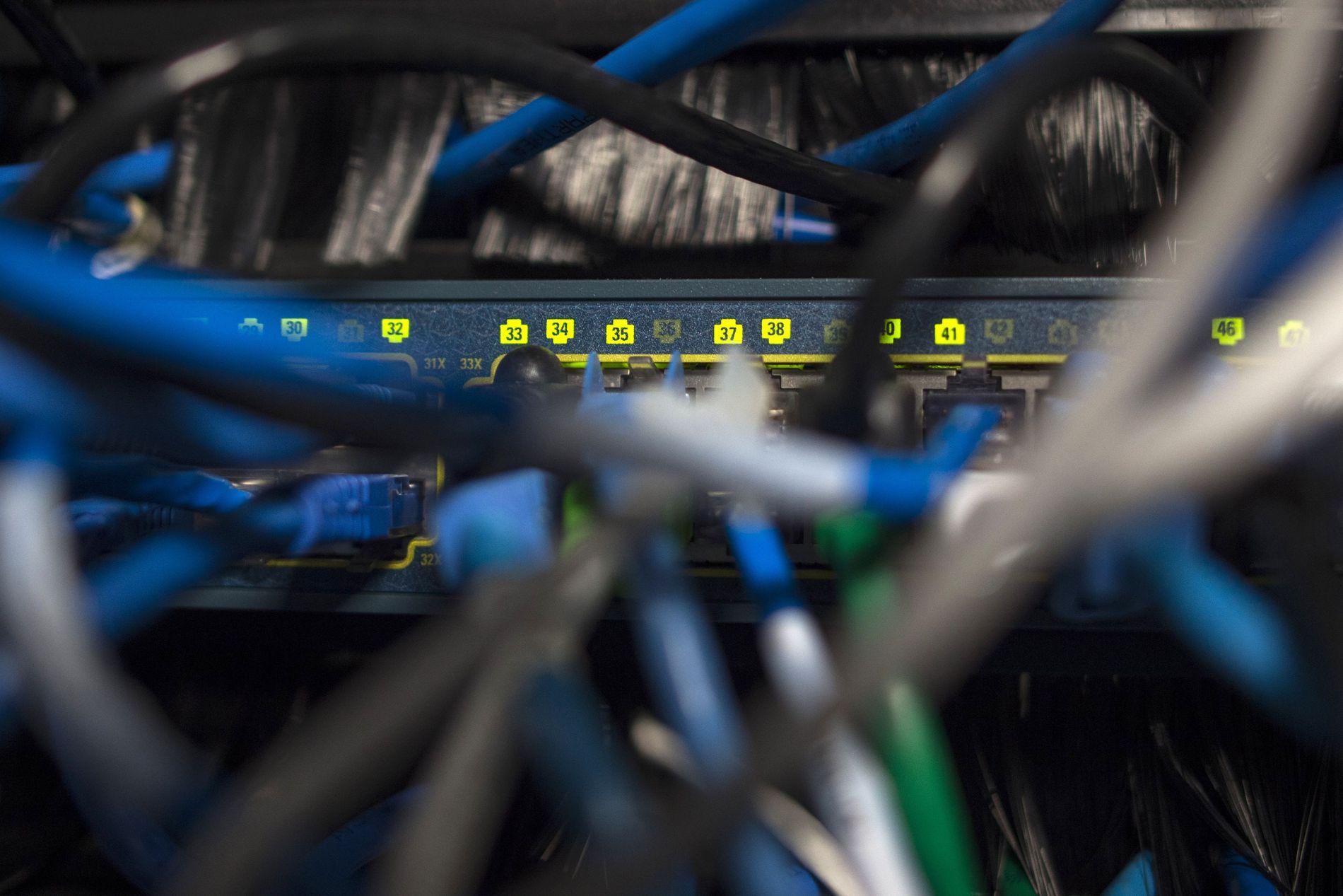 SKAL RAMME SERVERE: Anklagene som rettes mot kinesiske myndigheter er kompliserte. I grove trekk skal de ha tuklet med data-komponenter som senere settes sammen til servere som denne. Den «fysiske hackingen» skal gi stor kontroll over nettverket serveren er en del av.