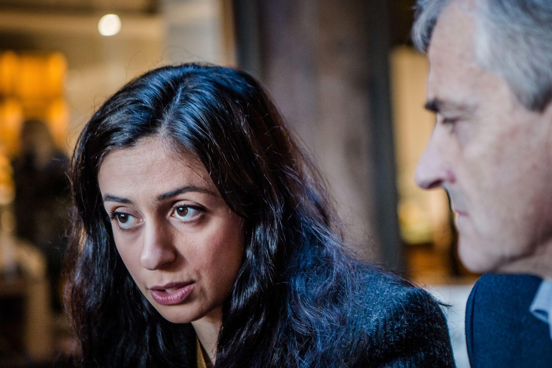 Aps nestleder Hadia Tajik trosset sin egen partileder Jonas Gahr Støre. Her er de to på et bilde fra november i fjor.
