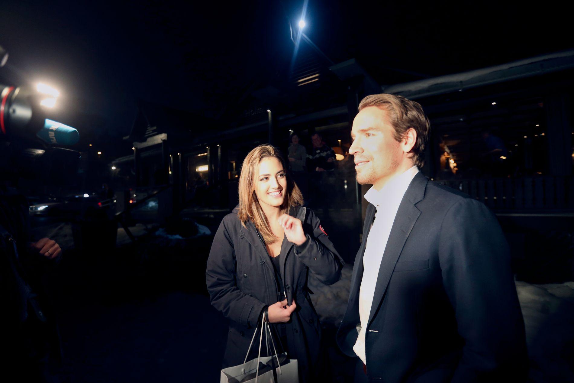 GIFTEKLARE: Emil Hegle Svendsen og Samantha Skogrand, her fra bankett i forbindelse med Skiskytter-VM i Oslo tidligere i år.