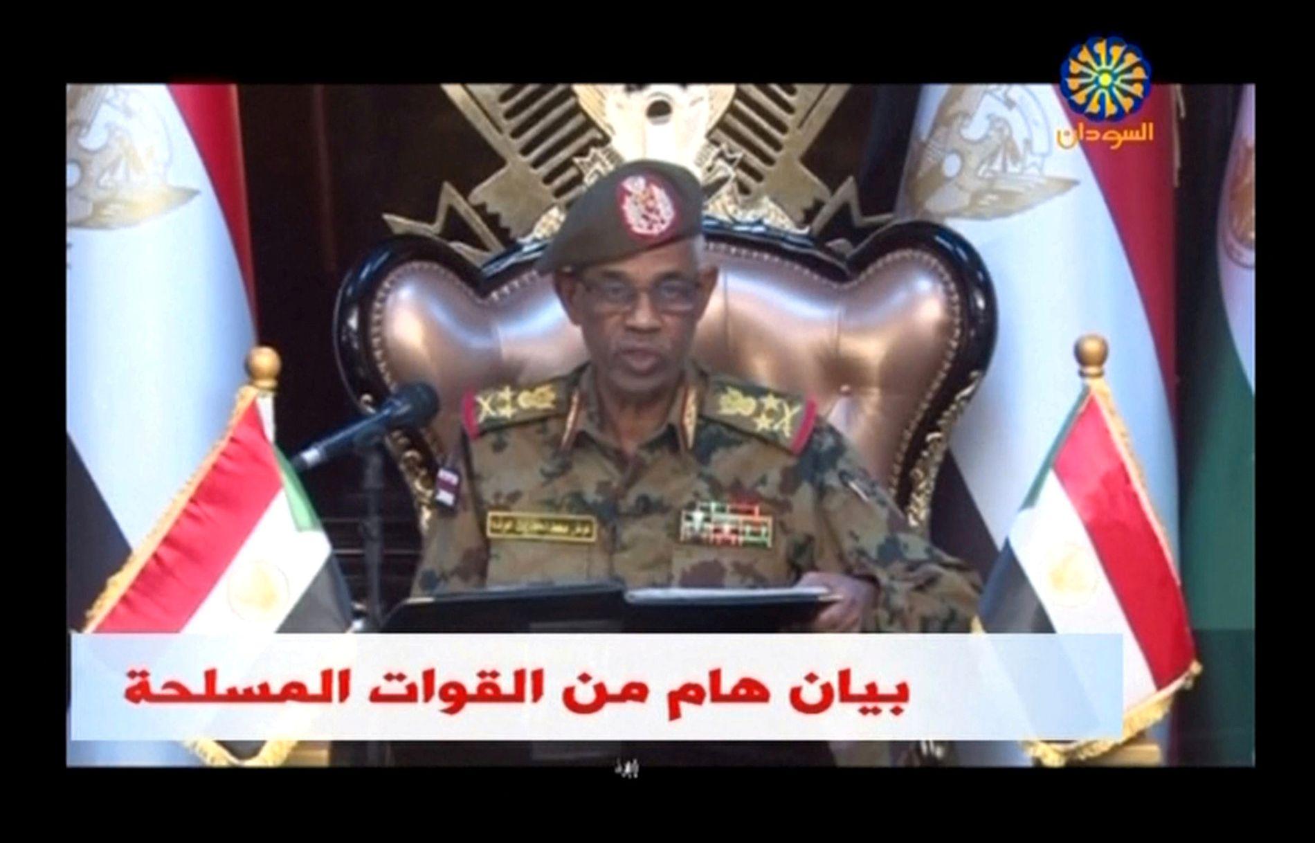 GREP MAKTEN: Forsvarsminister Awad Mohamed Ahmed Ibn Auf har nå tatt makten i Sudan.