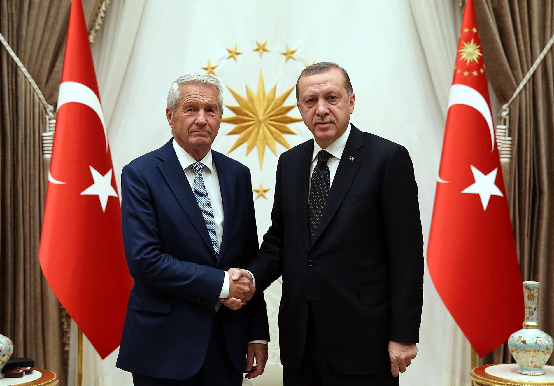 ALVORSPREGET: Europarådets generalsekretær Thorbjørn Jagland og Tyrkias president Recep Tayyip Erdogan under et møte i Ankara i november i fjor.