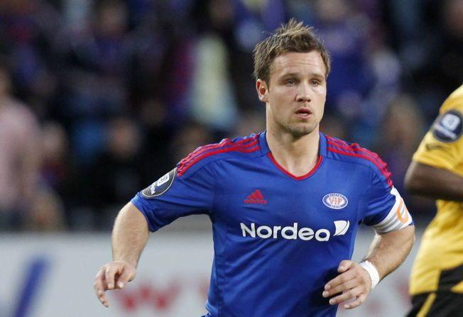 FERDIG PÅ TOPPNIVÅ: Kristofer Hæstad bekrefter at han legger opp som fotballspiller. Her er han i aksjon for Vålerenga i 2011.