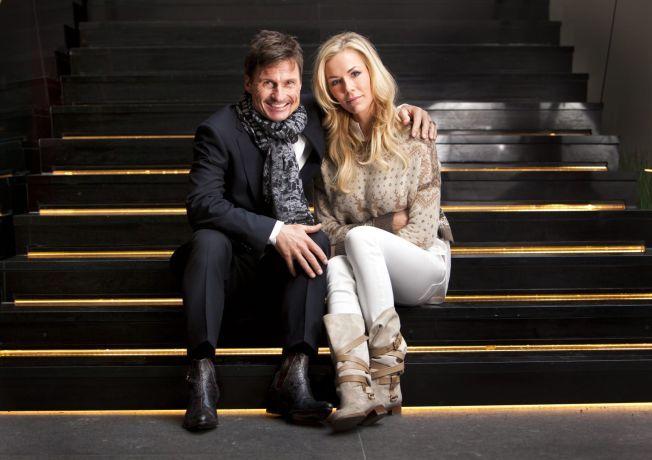 ALVORLIG SYK: Gunhild Stordalen vet ikke om hun overlever sykdommen systemisk sklerodermi. Her avbildet sammen med ektemannen Petter Stordalen under en hotellåpning i Sverige.