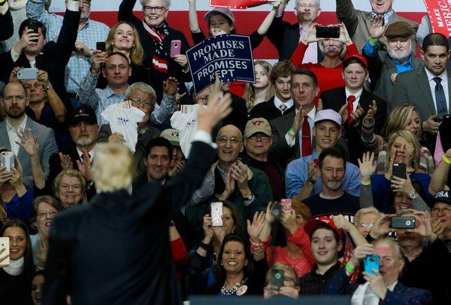 EN FOLKETS MANN? – USAs president Donald Trump flagger en vulgær anti-intellektualisme, som han til overmål gjør til et Folkets kjennetegn, skriver kronikkforfatteren.