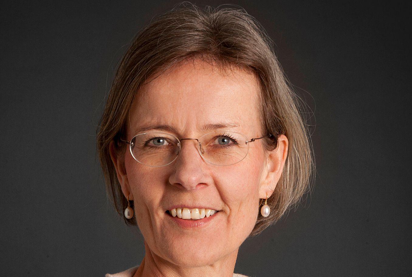 ANGRIPER STORESØSTER: Helga Hjorth har skrevet et motsvar til storesøster Vigdis Hjorths mye omtalte og prisbelønte roman «Arv miljø».