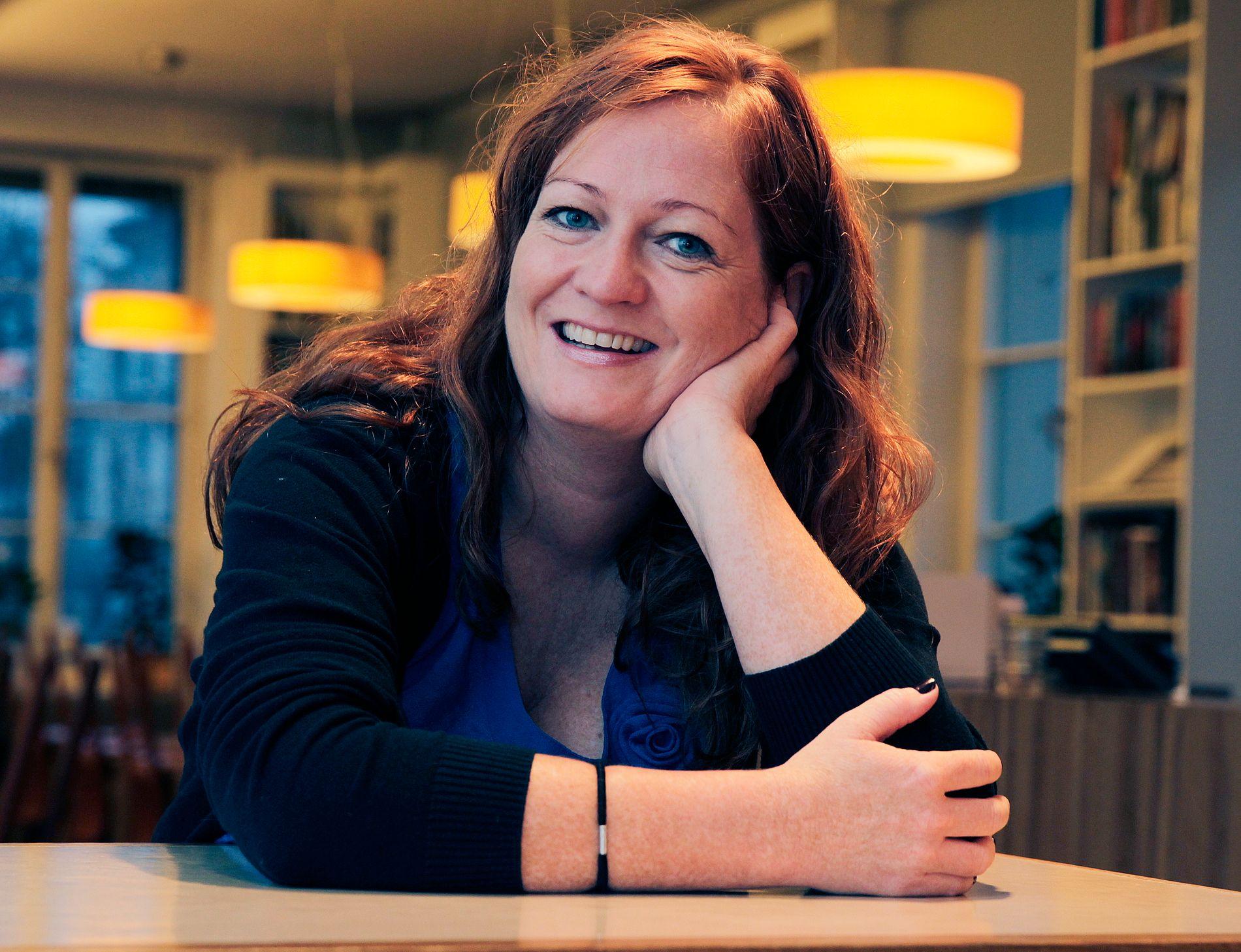 POPULÆR: Heidi Linde (f. 1973 i Asker) er forfatter og manusforfatter. Hun debuterte med barneboka «Myggstikk» (1998), og har bl.a. skrevet barnebokserien om Pym Pettersons mislykka liv. Hun er også forfatteren bak kritikerroste romaner som «Nu, jävlar!» og «Norsk sokkel».